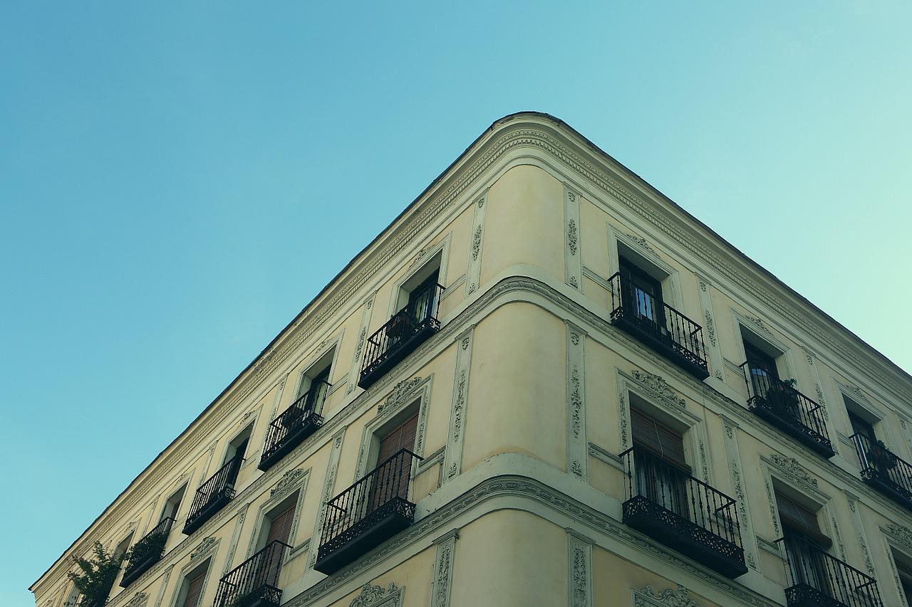 Pourquoi faut-il nécessairement changer les vieilles fenêtres ?